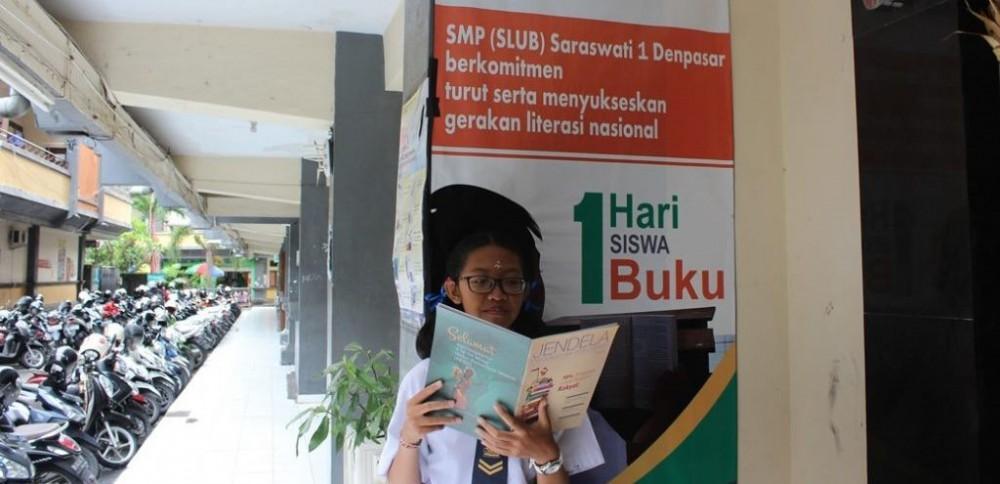 Sukseskan GLS, SLUB Laksanakan Program Satu Hari, Satu Siswa, Satu Buku