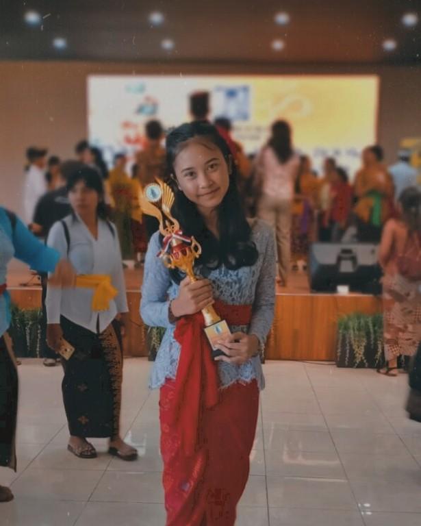 Vidya Raih Juara II Lomba Baca Puisi Bali dalam Festival Anak Hindu Ke-18