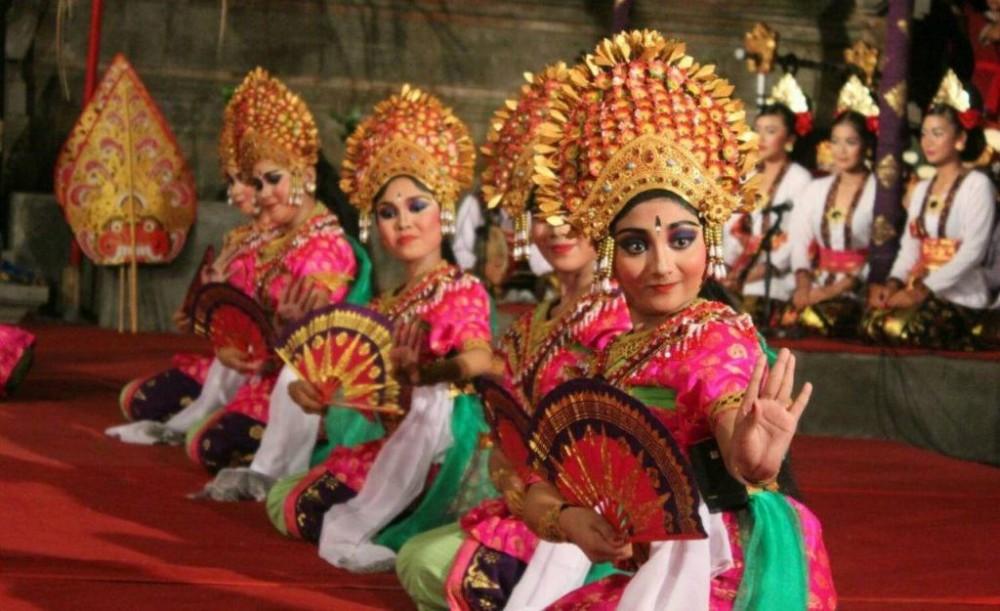 Bali Mandara Nawanatya III, SMP (SLUB) Saraswati 1 Denpasar Sukses Bawakan Janger Lelampahan