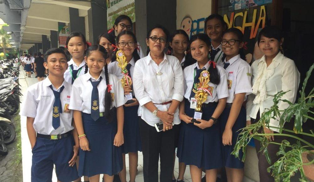 Juara I Bali Post Goes to School: Mencari, menemukan, dan membuat adalah perjuangan